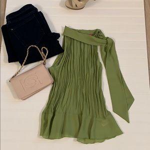 Sunny Leigh Sleeveless blouse
